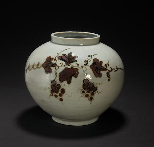 A glazed porcelain vase with iron oxide decoration Joseon Dynasty, 19th Century