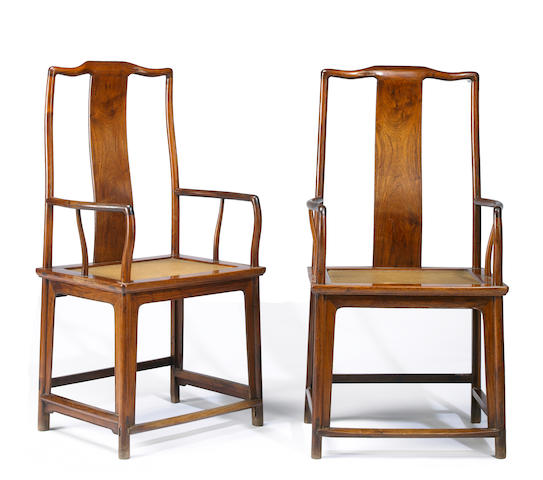 A pair of huanghuali continuous yoke back armchairs, nanguanmaoyi 17th/18th Century