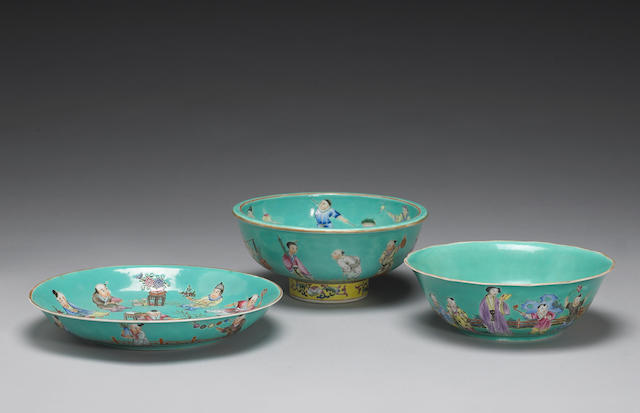 A group of three turquoise ground famille rose porcelain dishes 19th/20th century