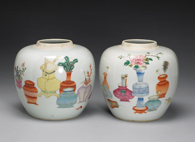 A pair of famille rose enameled porcelain jars Late Qing/Republic period