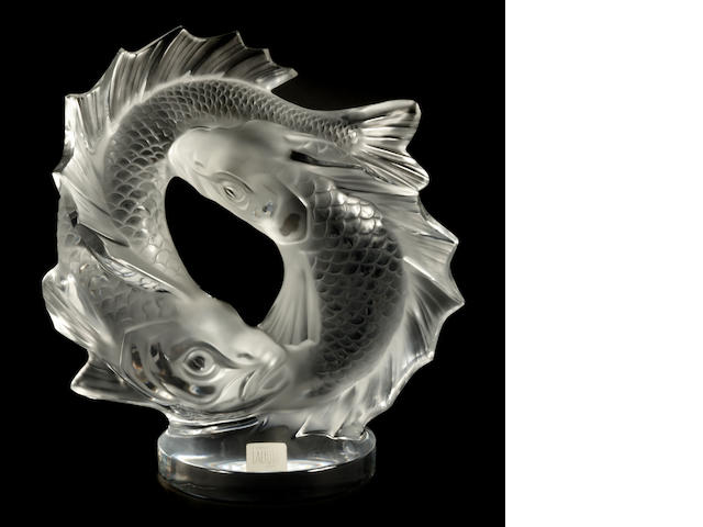 A Lalique molded glass table sculpture: Deux Poisson