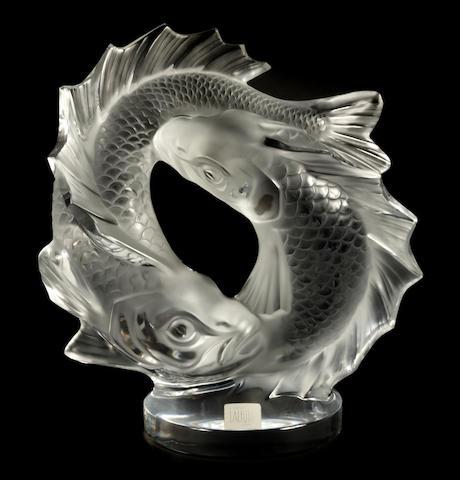 A Lalique molded glass table sculpture: Deux Poisson