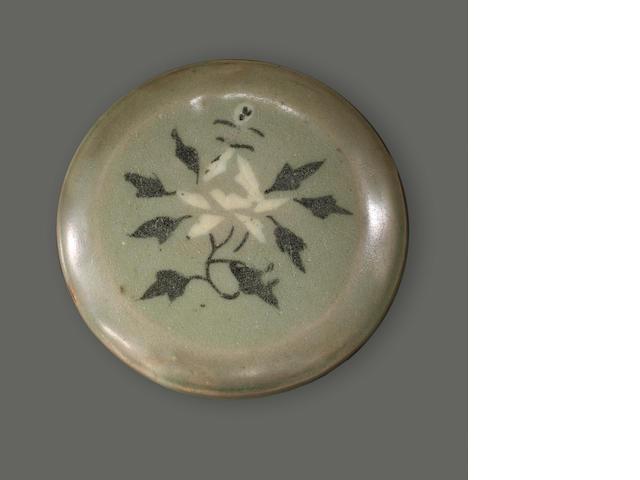 A Korean inlaid celadon glazed pate box, 12th/13th Century