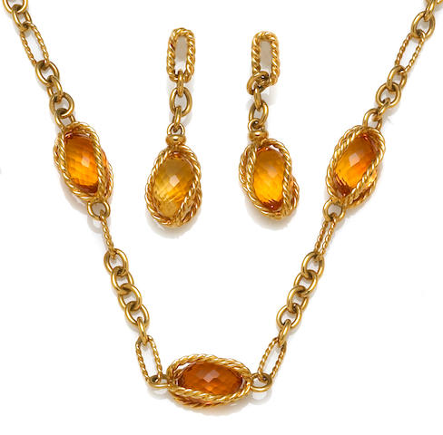 A citrine and eighteen karat gold link necklace together with matching pendant earrings, David Yurman