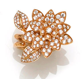 A diamond flower double ring