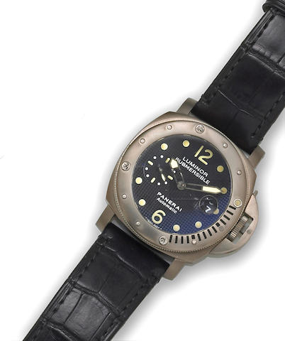 Panerai Luminor. A titanium automatic calendar diver's wristwatch