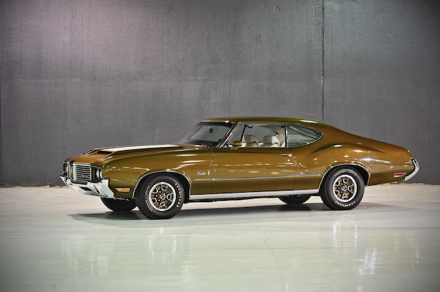 Four-speed manual equipped,1972 Oldsmobile Cutlass S Coupe  Chassis no. 3G87M2R142886