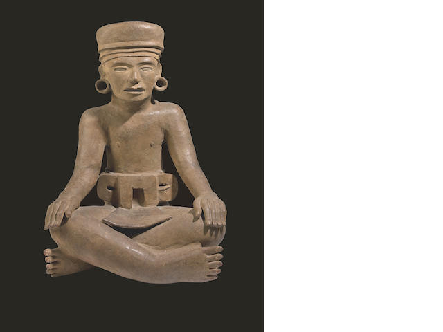 A monumental Veracruz seated figure