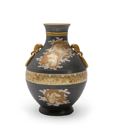 An earthenware ovoid vase Kinkozan studio, Meiji period