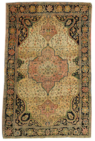A Fereghan Sarouk rug Central Persia size approximately 4ft. 4in. x 6ft. 6in.