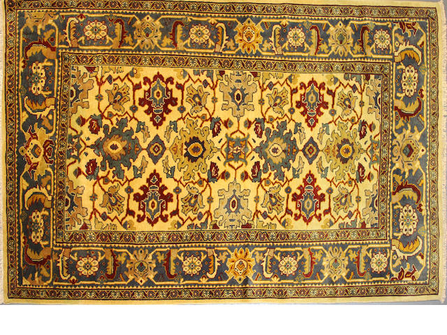 A Mahal carpet size approximately 6ft. 6in. x 9ft. 3in.