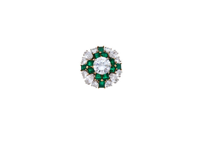 A diamond and emerald ring, Van Cleef & Arpels