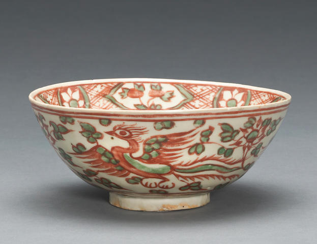 An underglaze blue and overglaze enameled export porcelain bowl Late Ming dynasty