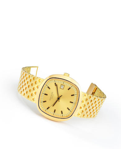 Patek Philippe. A rare and unusual 18K gold early quartz bracelet wristwatch with center seconds and dateRef:3587/2, Case no. 2699672, Movement no. 5757, 1970's