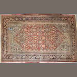 A Mahal carpet size approximately 9ft. 11in. x 13ft. 5in.