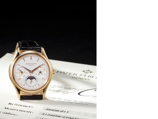 Patek Philippe. A fine 18K rose gold automatic wristwatch with perpetual calendar and moon phasesRef:3940R-011, Case no. 4100389, Movement no. 3124856, sold 2000