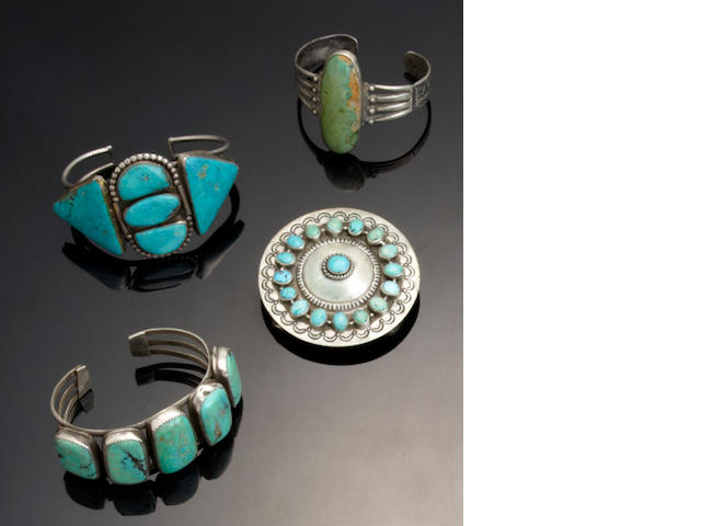Four Navajo jewelry items