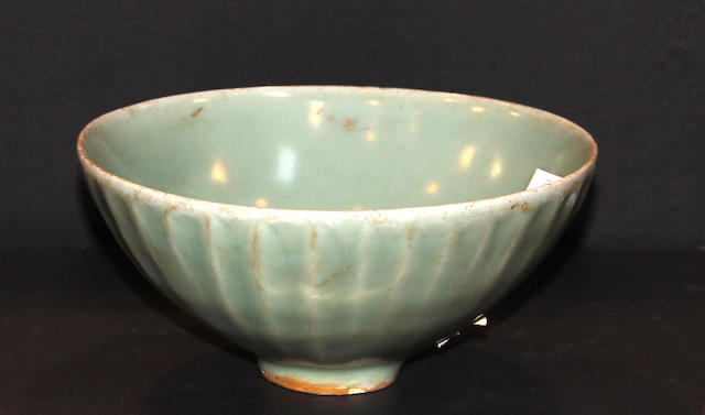 A Longquan celadon lotus bowl 13th/14th century