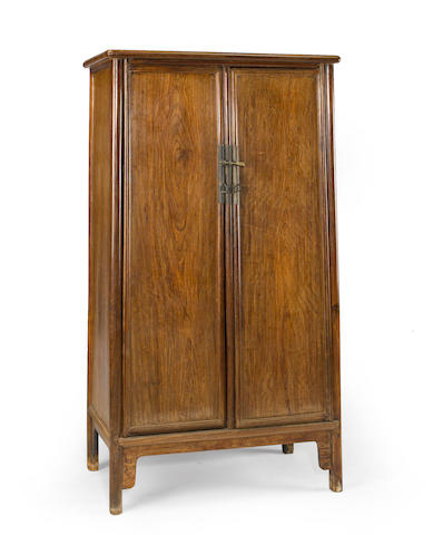 A teilimu tapered cabinet