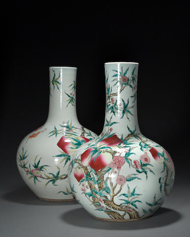 A pair of large famille-rose enameled porcelain stick neck vases  Late Qing dynasty/Republic period