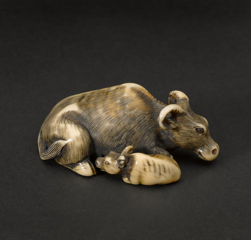An ivory figural netsuke 18th/19th century