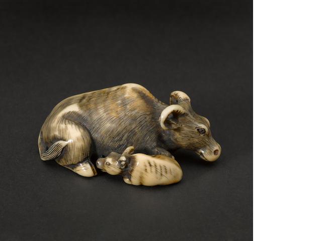 An ivory figural netsuke 18th/19th century