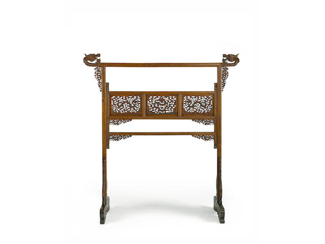 A rare huanghuali clothes rack, yijia 18th century