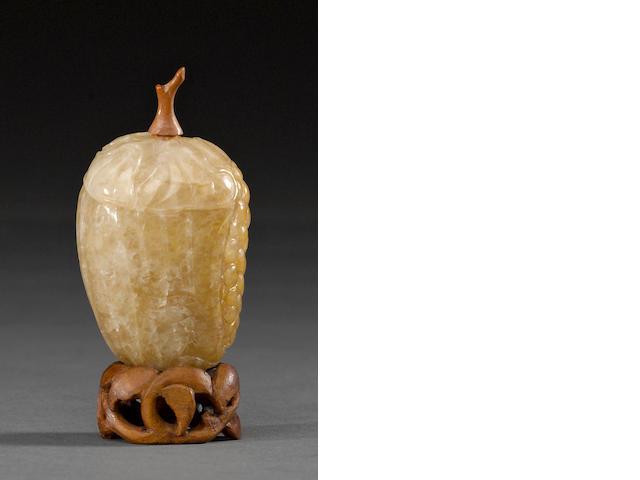 A gourd-shaped chrysoprase gourd snuff bottle