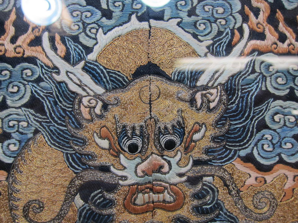 An embroidered dragon roundel Late Qing dynasty