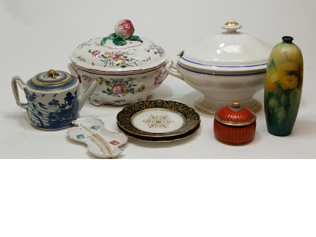 An assembled group of decorative ceramics 19th/first half 20th century
