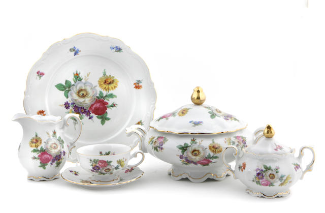 A Bavarian porcelain part dinner service in the 'Meissen Floral' pattern