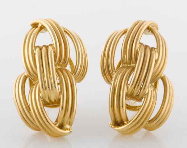 A pair of 18k gold earrings, AZ, Germany