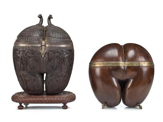 """Tea caddy Coco de mere and brass India 19th century"""