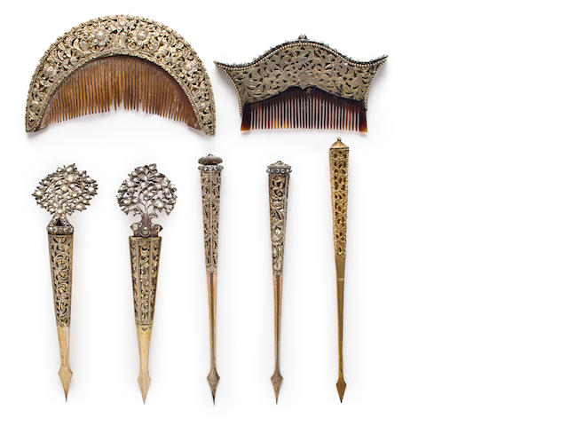 Vanity set (combs, clips and pins) Silver and horn Sri Lanka 19th century
