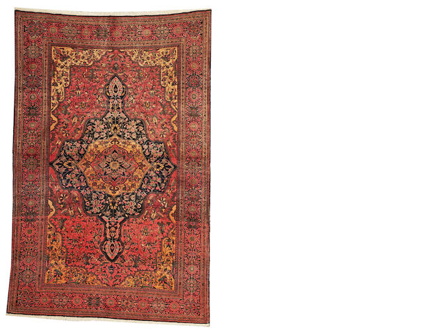 A Fereghan Sarouk carpet Central Persia, size approximately 4ft. 2in. x 6ft. 7in.