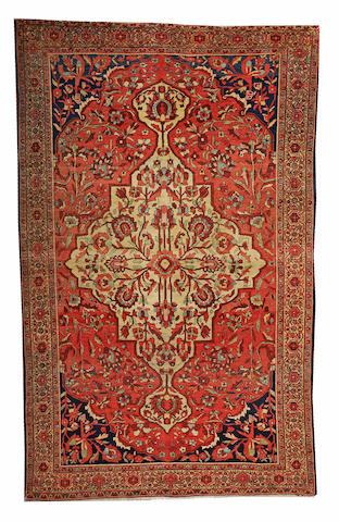 A Fereghan Sarouk rug Central Persia, size approximately 4ft. 5in. x 7ft.