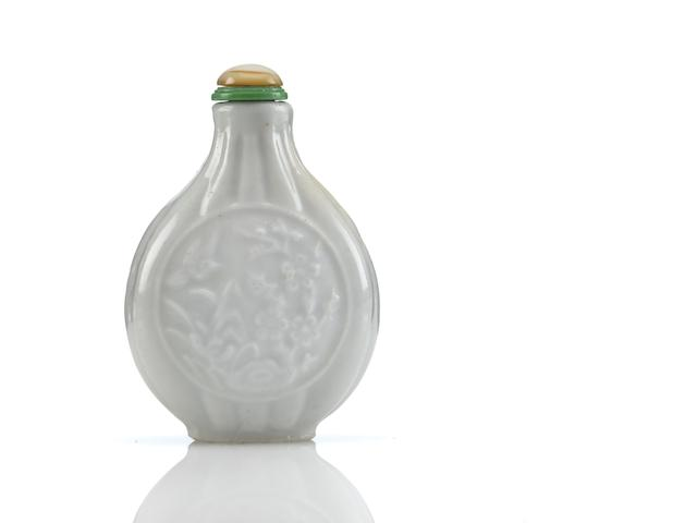 A molded porcelain snuff bottle  1790-1840