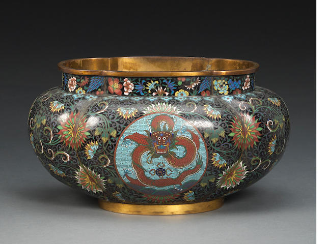 A cloissoné enameled metal vessel Late Qing/Republic period