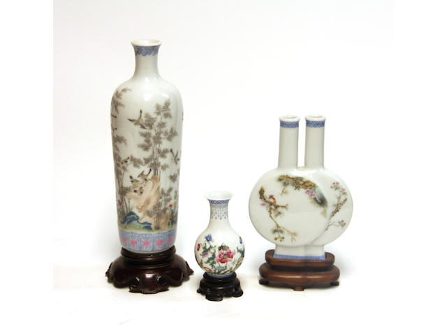 A group of three polychrome enameled porcelain vases Republic period
