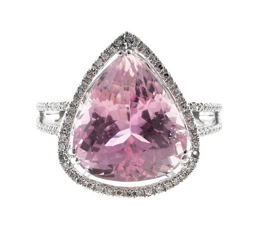 A kunzite and diamond ring