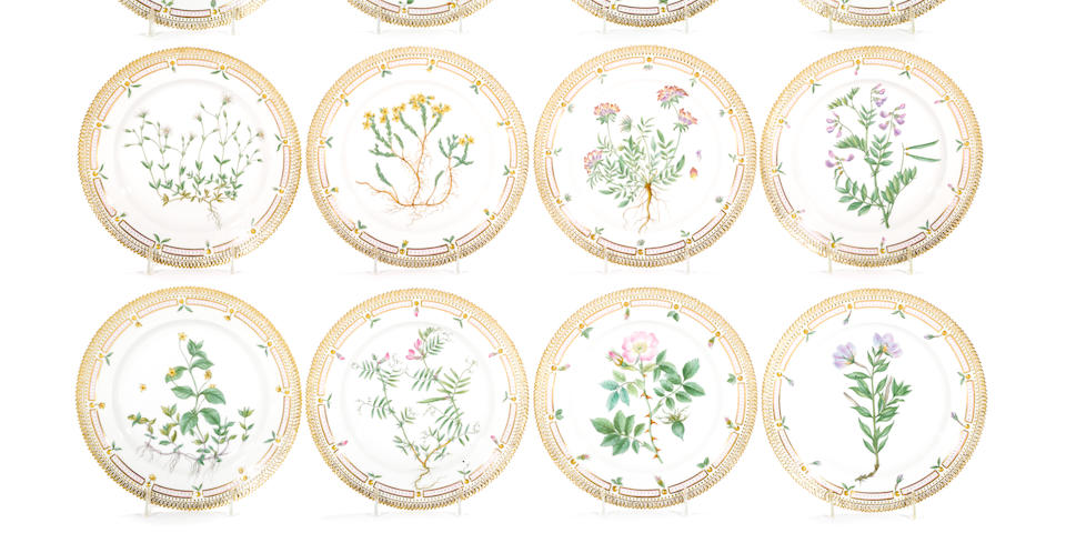 A set of twelve Royal Copenhagen Flora Danica porcelain dinner plates<BR />date codes 1950-1959