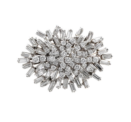 A diamond pendant/brooch