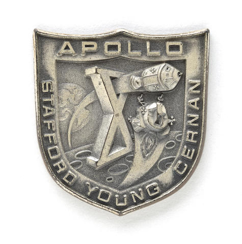 CARRIED IN LUNAR MODULE SNOOPY ON APOLLO 10. ROBBINS MEDALLION.