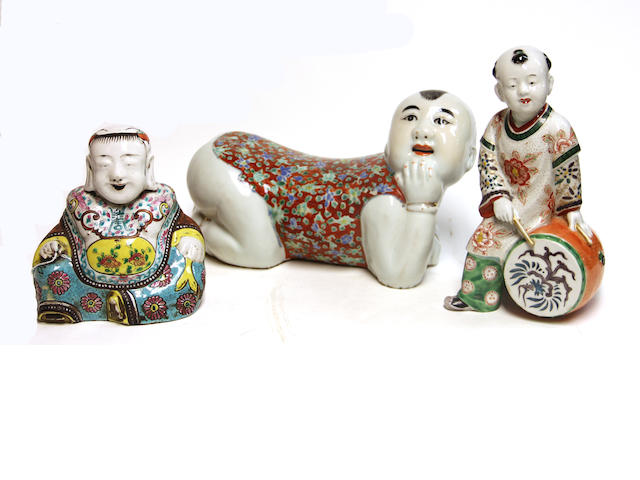 Two chines polychrome enameled porcelaijn figures