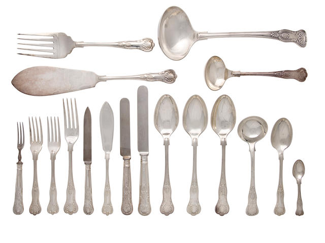 177 pcs. of English Kings Pattern sterling silver flatware by Elkington & Co., Birmingham, 1959