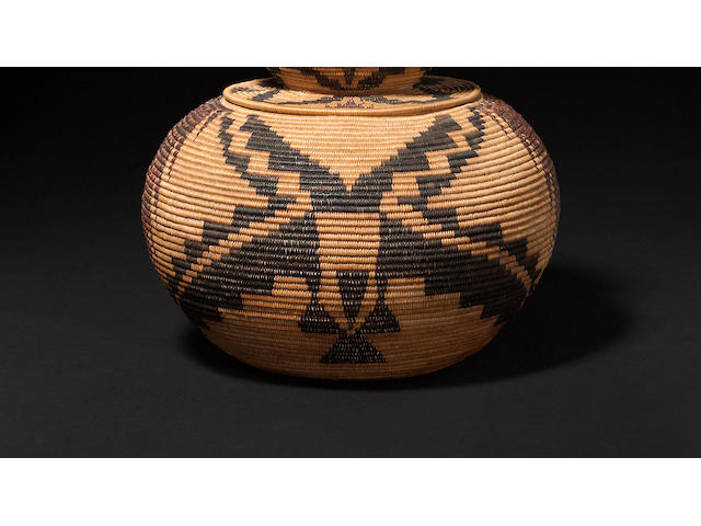 A Mono Lake Paiute lidded basket