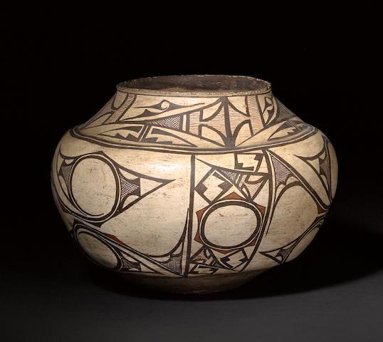 A Zuni polychrome jar