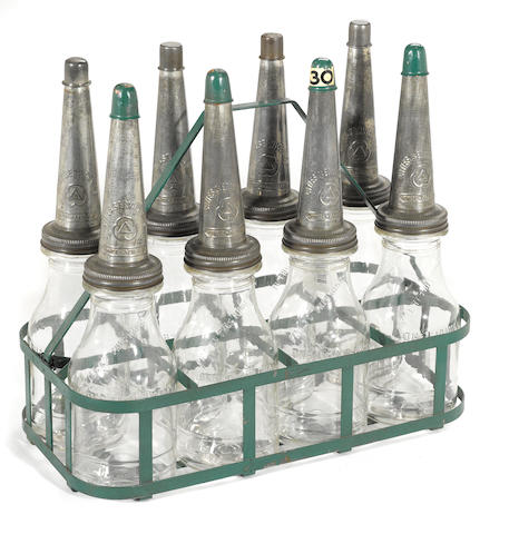 A Citi service 8 bottle Island Rack With lids,