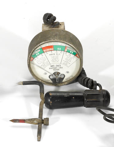 A vintage Snap-on Battery or coil tester,