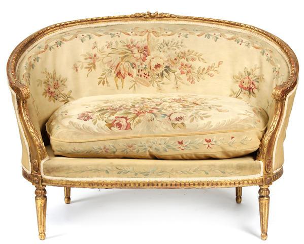 A Louis XVI style canapé en corbeille